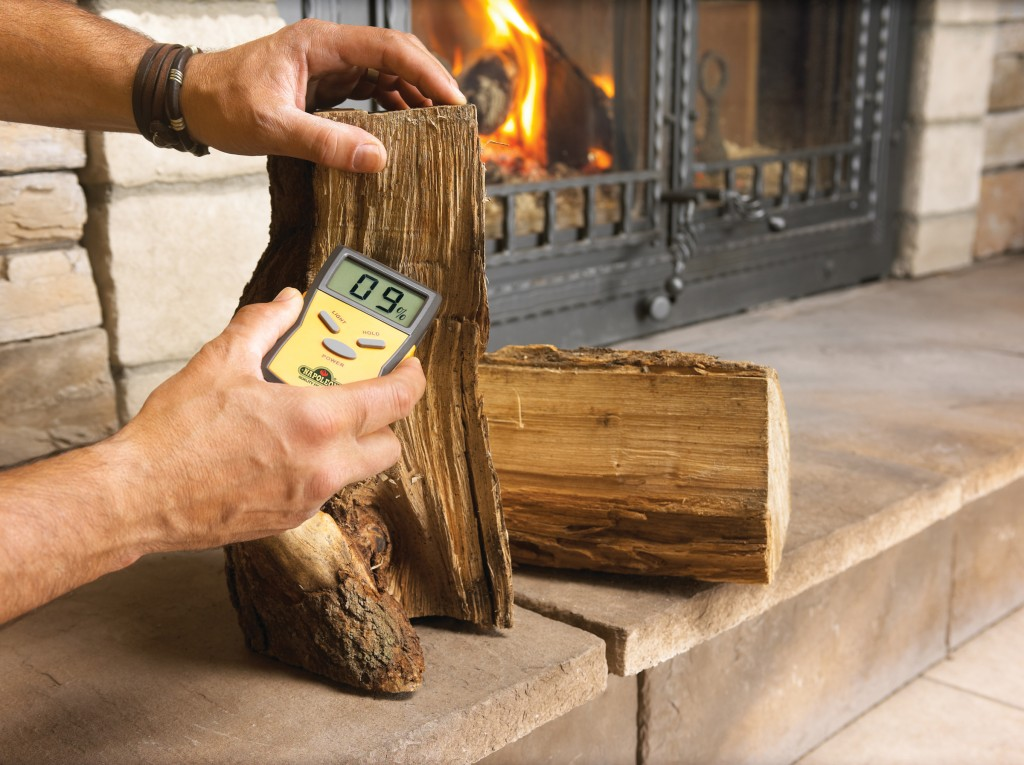 Wood_moisture_meter _fireplace